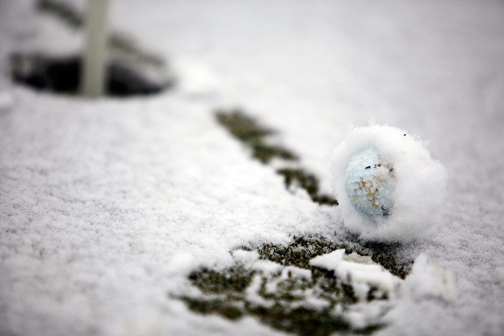 snow-golf-ball