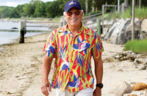 Jimmy-Buffett-caddies-for-niece-us-senior-womens-open